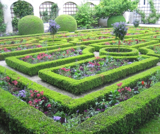 labyrinth - discovering beauty and grace in the midst of our ordinary days @poetryjoy.com